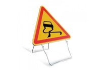 BUISARD TRIANGLE DE SIGNALISATION H700 AK4 CHAUSSEE GLISSANTE T1